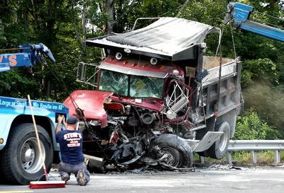 tractor trailer crash attorney